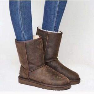 NEW UGG classic short leather boots 6